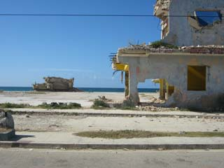 Ruina am Strand - Bild