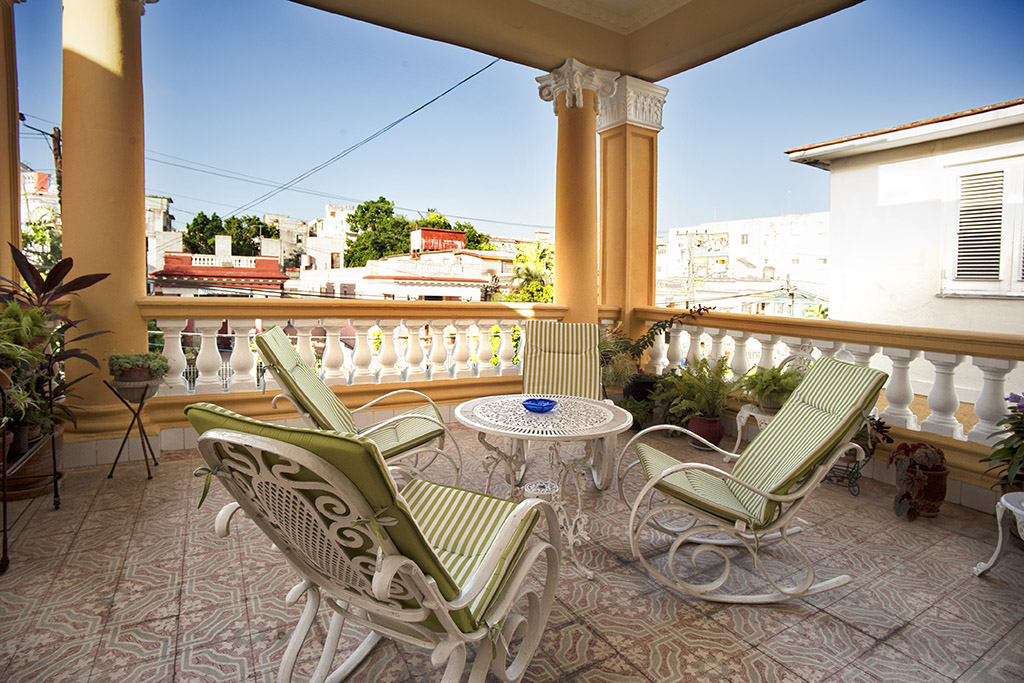 Enjoy our terrace on your vacation in Cuba