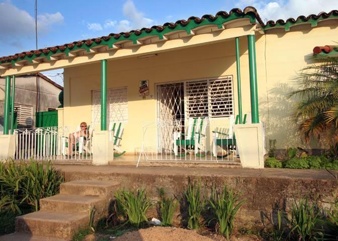Vi 241 Ales Cuba Homestay In Casa Particular Bed Amp Breakfast Holiday Vacation Pinar Del